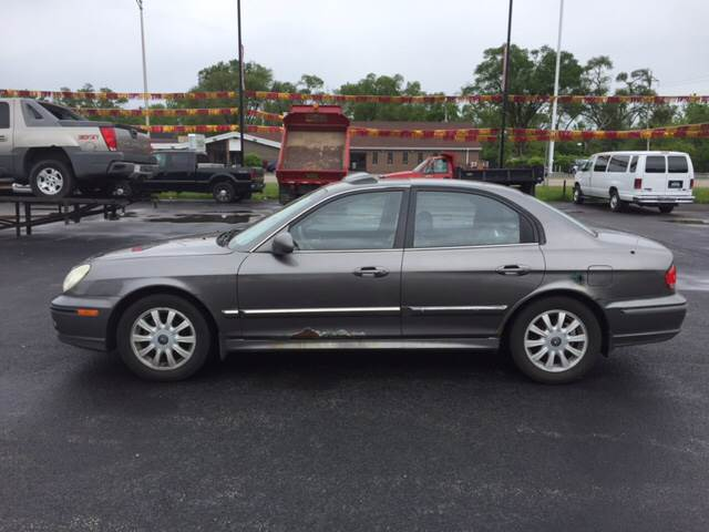 2003 Hyundai Sonata for sale at ROUTE 6 AUTOMAX in Markham IL
