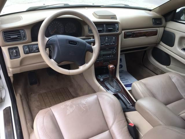 2002 Volvo C70 for sale at ROUTE 6 AUTOMAX in Markham IL