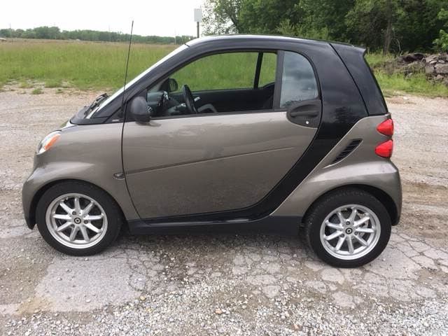 2010 Smart fortwo for sale at ROUTE 6 AUTOMAX in Markham IL
