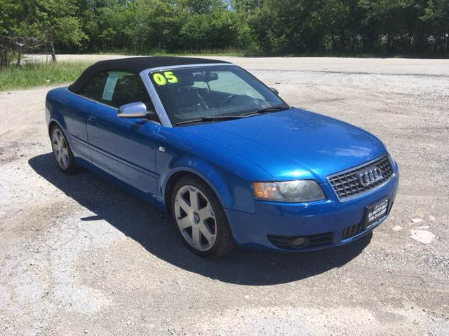 2005 Audi S4 for sale at ROUTE 6 AUTOMAX in Markham IL