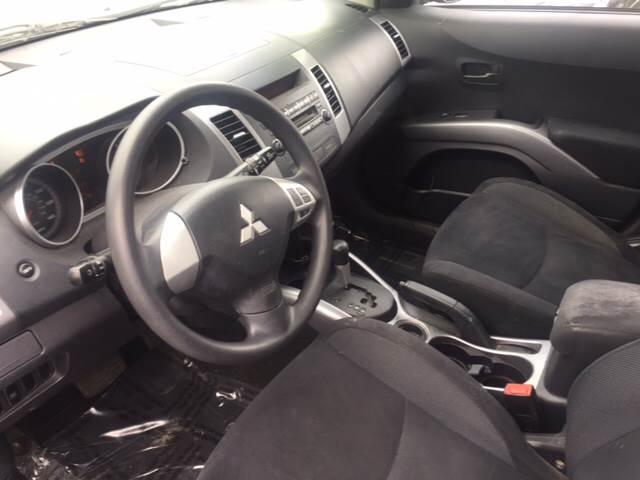2007 Mitsubishi Outlander for sale at ROUTE 6 AUTOMAX in Markham IL