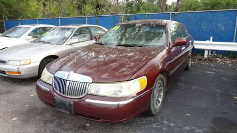 2001 Lincoln Town Car for sale at ROUTE 6 AUTOMAX - THE AUTO EXCHANGE TRADE LOT in Harvey IL