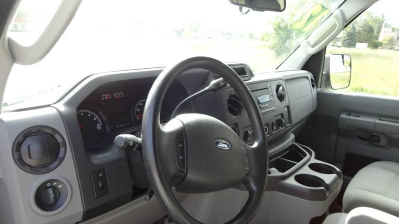 2012 Ford E-Series Wagon for sale at ROUTE 6 AUTOMAX in Markham IL