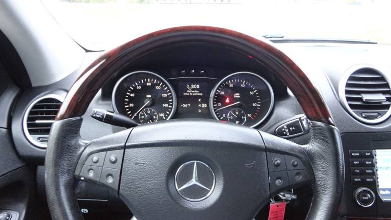 2006 Mercedes-Benz M-Class for sale at ROUTE 6 AUTOMAX in Markham IL