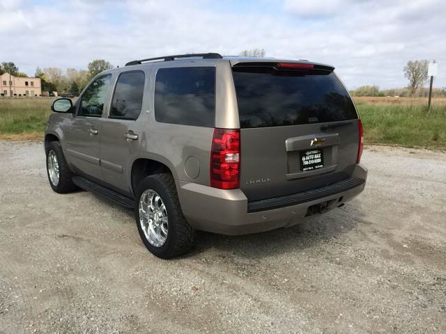 2007 Chevrolet Tahoe for sale at ROUTE 6 AUTOMAX in Markham IL