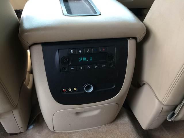 2007 GMC Yukon XL for sale at ROUTE 6 AUTOMAX in Markham IL