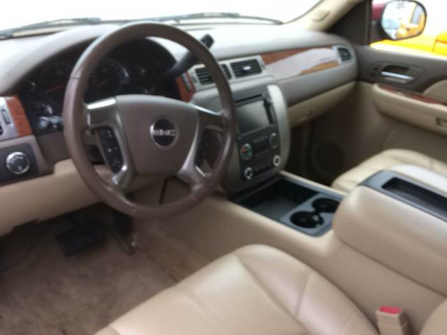 2007 GMC Yukon for sale at ROUTE 6 AUTOMAX in Markham IL