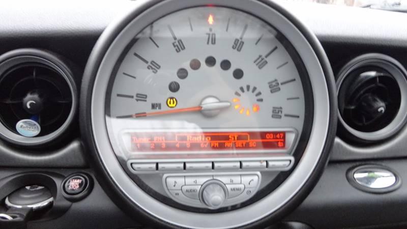 2008 MINI Cooper for sale at ROUTE 6 AUTOMAX in Markham IL