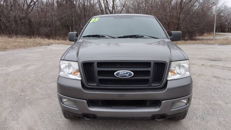 2005 Ford F-150 for sale at ROUTE 6 AUTOMAX in Markham IL