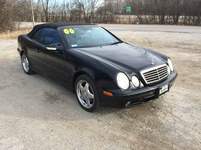 2000 Mercedes-Benz CLK for sale at ROUTE 6 AUTOMAX in Markham IL
