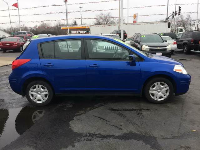 2011 Nissan Versa for sale at ROUTE 6 AUTOMAX in Markham IL