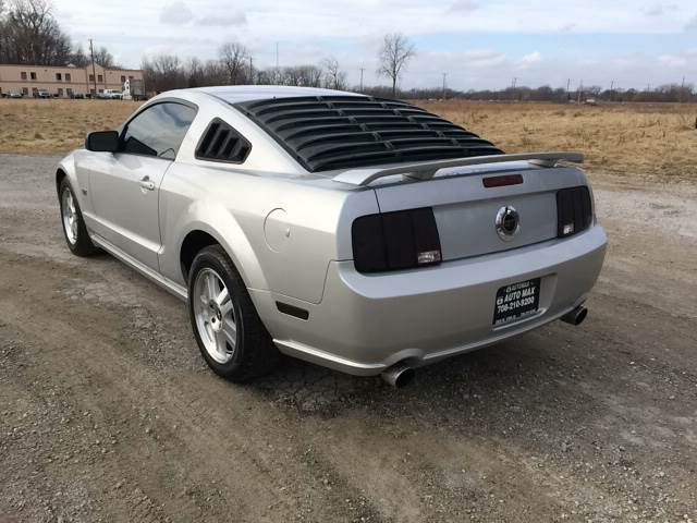 2007 Ford Mustang for sale at ROUTE 6 AUTOMAX in Markham IL
