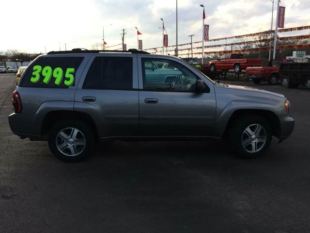 2007 Chevrolet TrailBlazer for sale at ROUTE 6 AUTOMAX in Markham IL