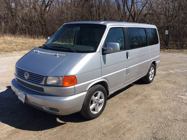 2001 Volkswagen EuroVan for sale at ROUTE 6 AUTOMAX in Markham IL