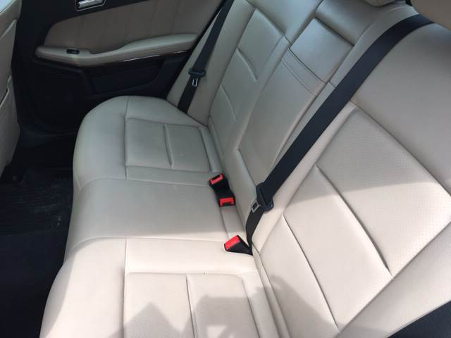 2010 Mercedes-Benz E-Class for sale at ROUTE 6 AUTOMAX in Markham IL