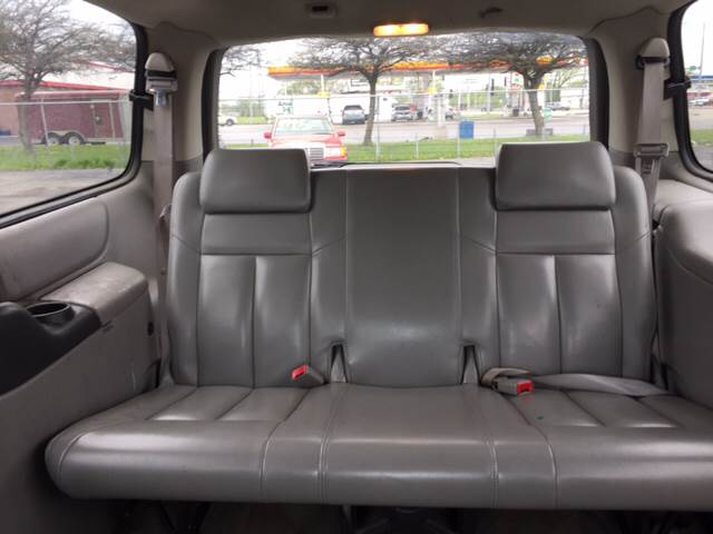 2003 Oldsmobile Silhouette for sale at ROUTE 6 AUTOMAX in Markham IL