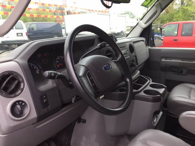 2012 Ford E-Series Wagon for sale at ROUTE 6 AUTOMAX in Markham IL