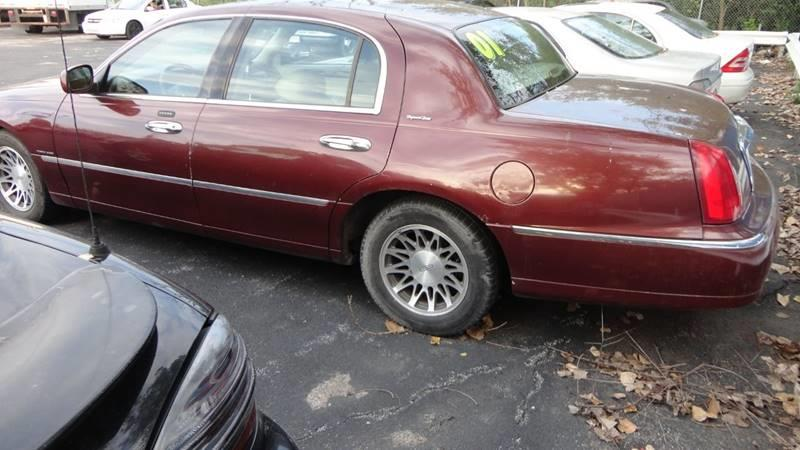 2001 Lincoln Town Car Signature 4dr Sedan In Harvey Il Auto Exchange