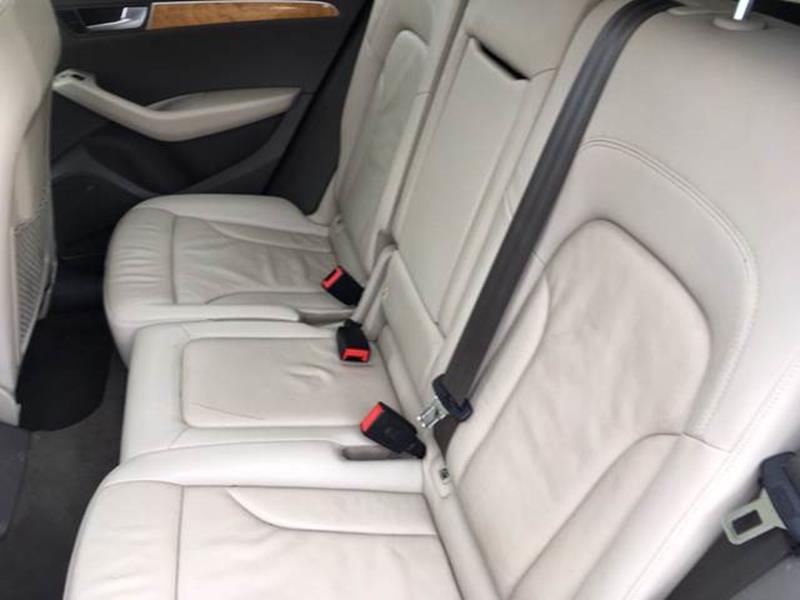 2009 Audi Q5 AWD 3.2 quattro Premium 4dr SUV - Harvey IL