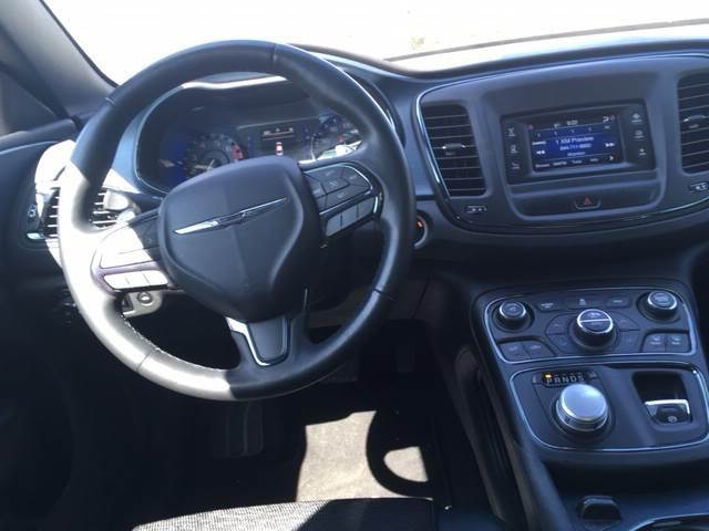 2015 Chrysler 200 S 4dr Sedan - Harvey IL