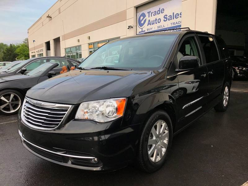 2016 Chrysler Town and Country Touring 4dr Mini-Van - Chantilly VA