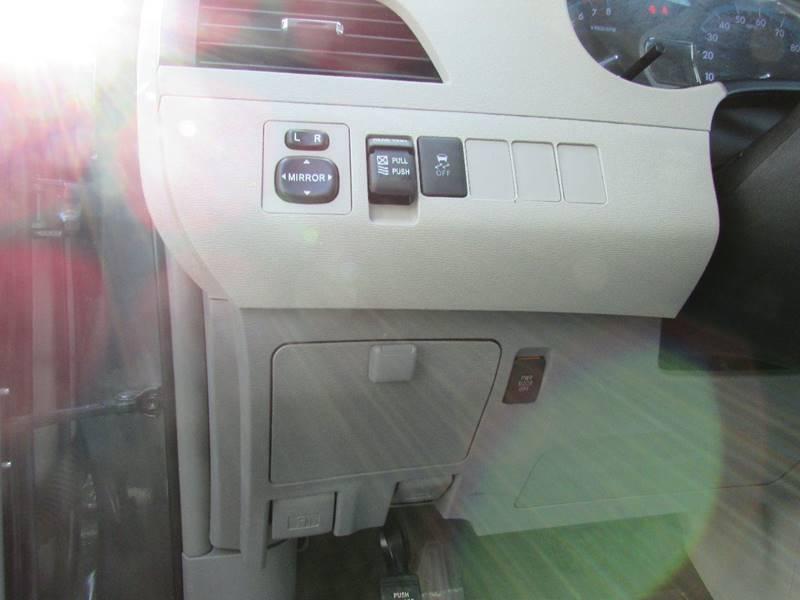 2014 Toyota Sienna XLE 8-Passenger 4dr Mini-Van - Chantilly VA