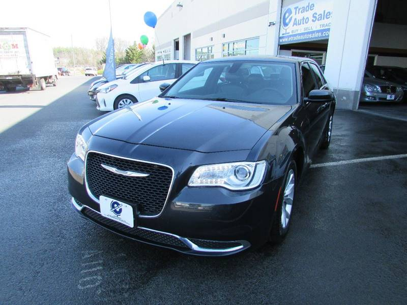 2015 Chrysler 300 Limited 4dr Sedan - Chantilly VA