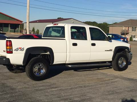 2005 GMC Sierra 2500HD for sale at JEFF LEE AUTOMOTIVE in Glasgow KY