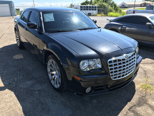 2007 Chrysler 300 for sale at JEFF LEE AUTOMOTIVE in Glasgow KY