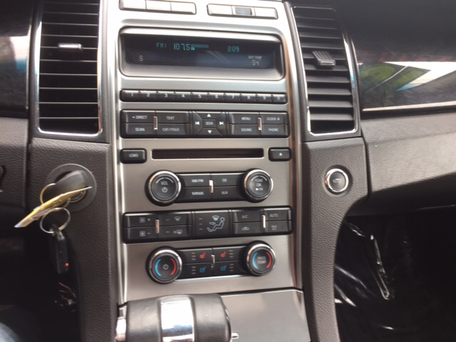2010 Ford Taurus for sale at Magana Auto Sales Inc. in Aurora IL