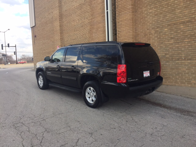 2011 GMC Yukon XL for sale at Magana Auto Sales Inc. in Aurora IL