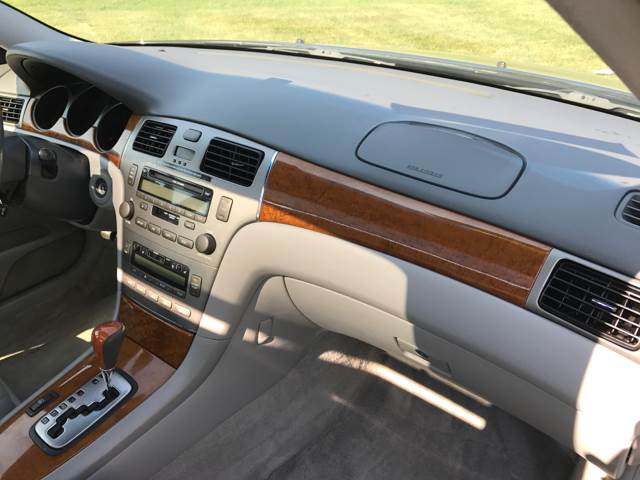 2005 Lexus ES 330 for sale at Magana Auto Sales Inc. in Aurora IL