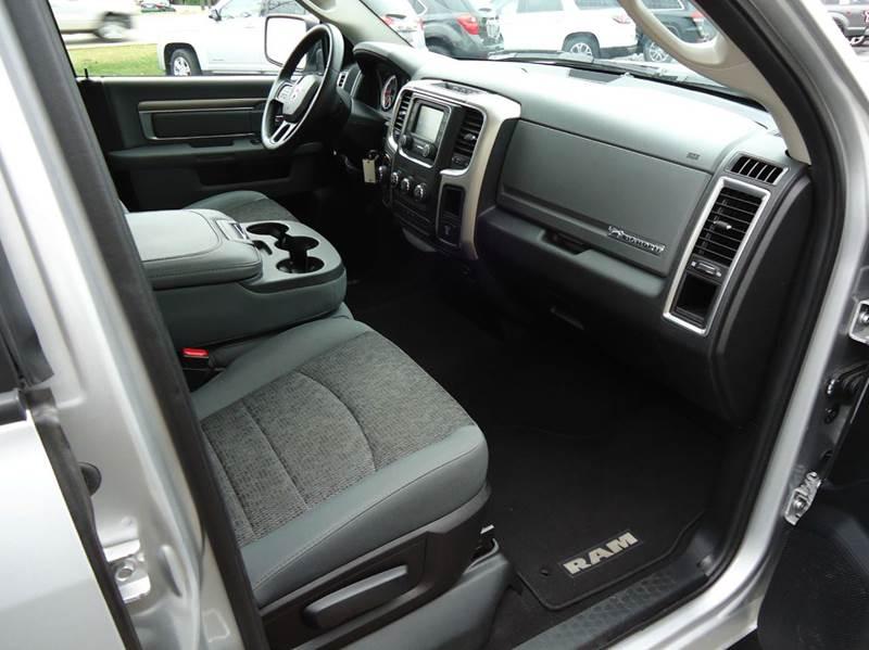 2016 RAM Ram Pickup 1500 4x4 Big Horn 4dr Quad Cab 6.3 ft. SB Pickup - Platteville WI