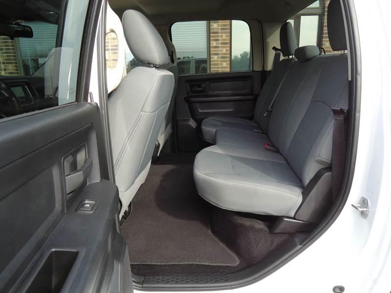 2014 RAM Ram Pickup 1500 4x4 Express 4dr Crew Cab 5.5 ft. SB Pickup - Platteville WI