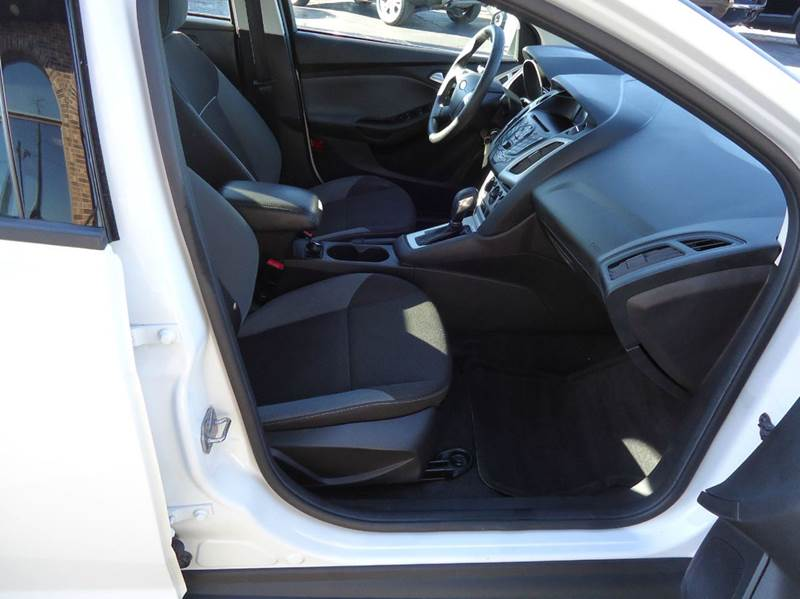 2014 Ford Focus SE 4dr Sedan - Platteville WI