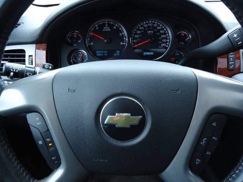 2011 Chevrolet Tahoe 4x4 LT 4dr SUV - Platteville WI