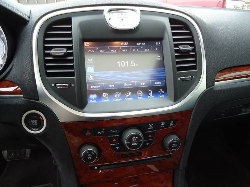 2014 Chrysler 300 AWD 4dr Sedan - Platteville WI