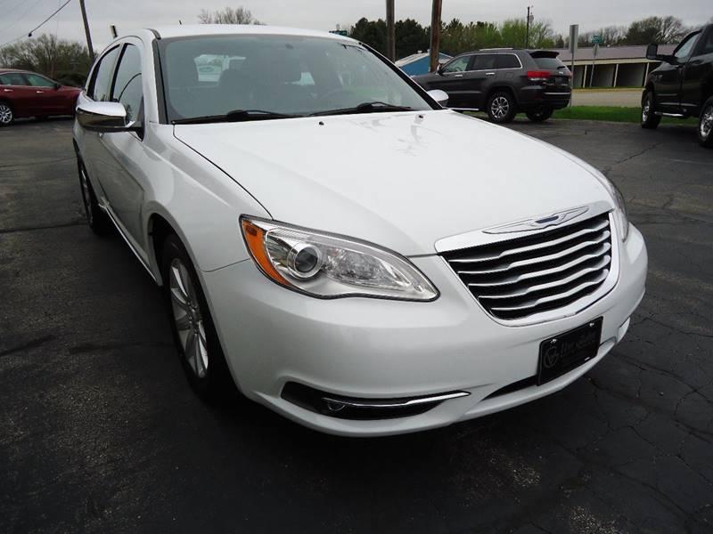 2014 Chrysler 200 Limited 4dr Sedan - Platteville WI