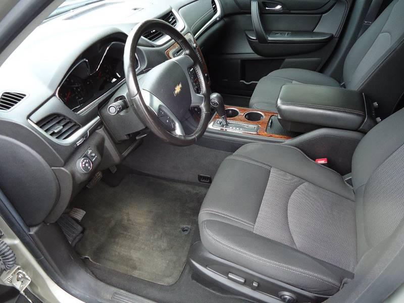 2013 Chevrolet Traverse AWD LT 4dr SUV w/2LT - Platteville WI