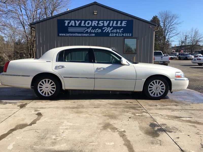 2005 Lincoln Town Car Signature In Taylorsville Nc Taylorsville