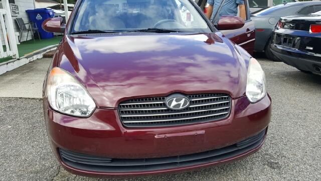 2009 Hyundai Accent GLS 4dr Sedan - North Charleston SC