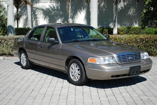 Ford Crown Victoria For Sale At Auto Quest Usa Inc In Fort Myers Beach Fl