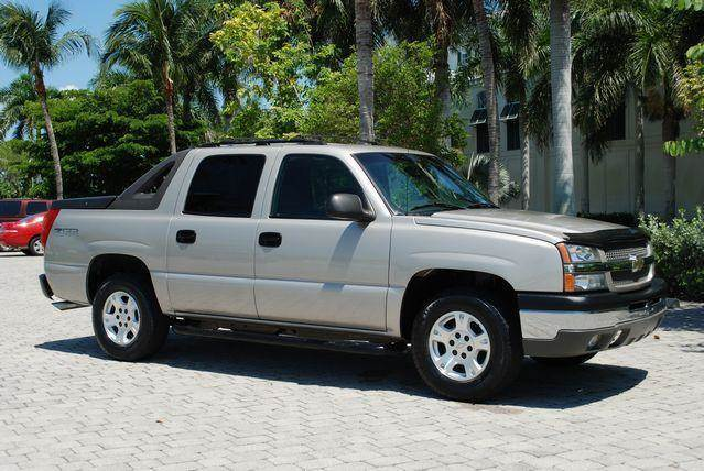 2004 Chevrolet Avalanche for sale at Auto Quest USA INC in Fort Myers Beach FL