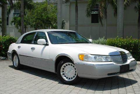 2001 Lincoln Town Car for sale at Auto Quest USA INC in Fort Myers Beach FL
