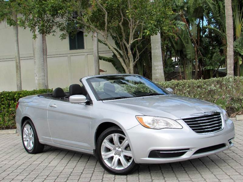 2011 chrysler 200 convertible touring in fort myers beach fl auto quest usa inc. Black Bedroom Furniture Sets. Home Design Ideas