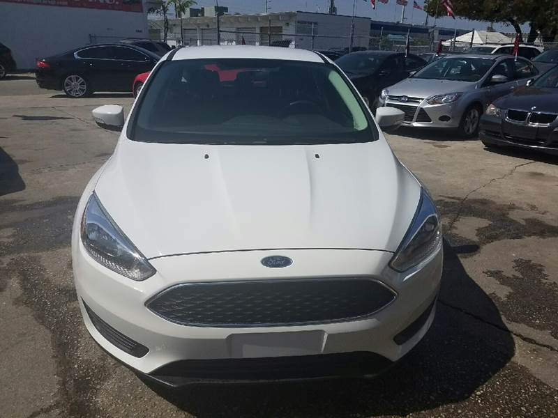 2015 Ford Focus SE 4dr Hatchback - Hollywood FL