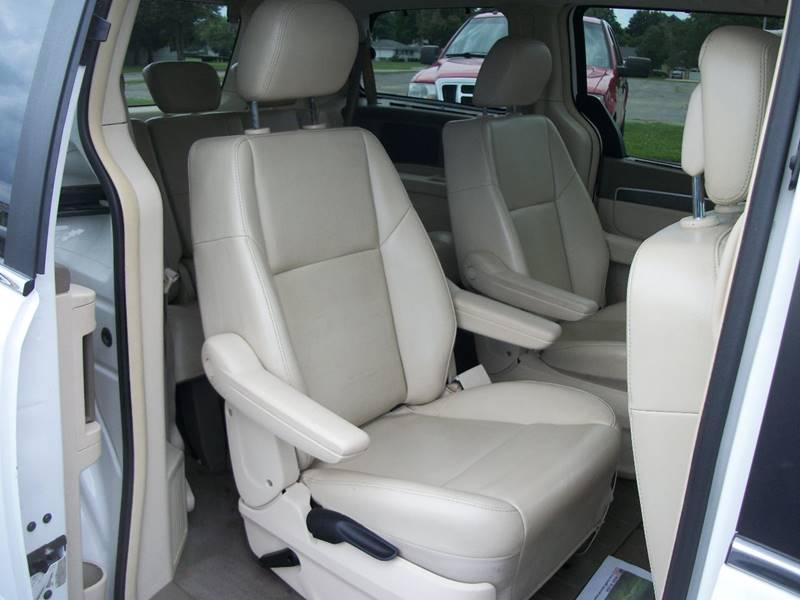 2010 Volkswagen Routan SE 4dr Mini-Van - Janesville WI