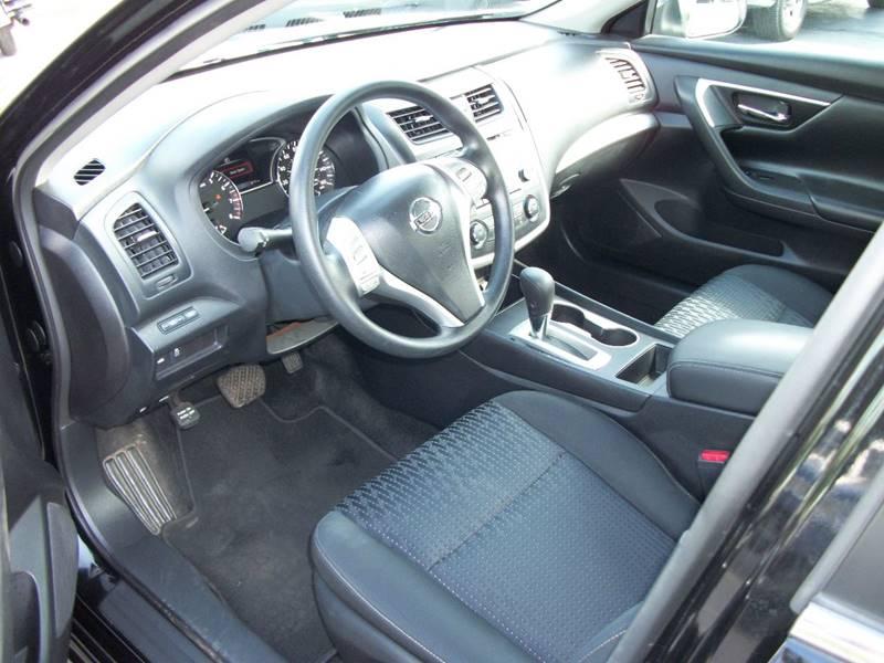 2016 Nissan Altima 2.5 S 4dr Sedan - Janesville WI