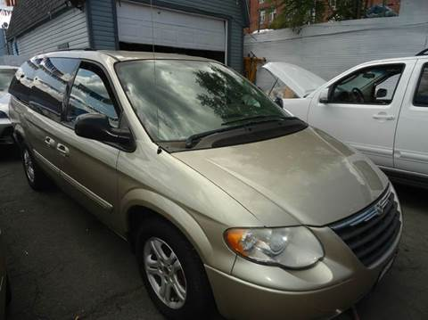2006 Chrysler Town and Country for sale at MOUNT EDEN MOTORS INC in Bronx NY