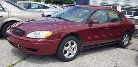2004 Ford Taurus for sale in Mishicot WI